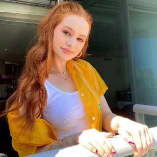 Madelaine Petsch instagram pic #296694