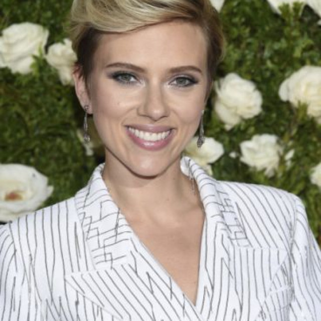 There Has Always Been Attraction Between Scarlett Johansson And Kevin Yorn