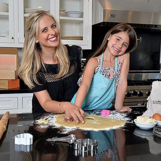 Sarah Michelle Gellar Loves Sharing Her Food Entrepreneur Experience With Kids