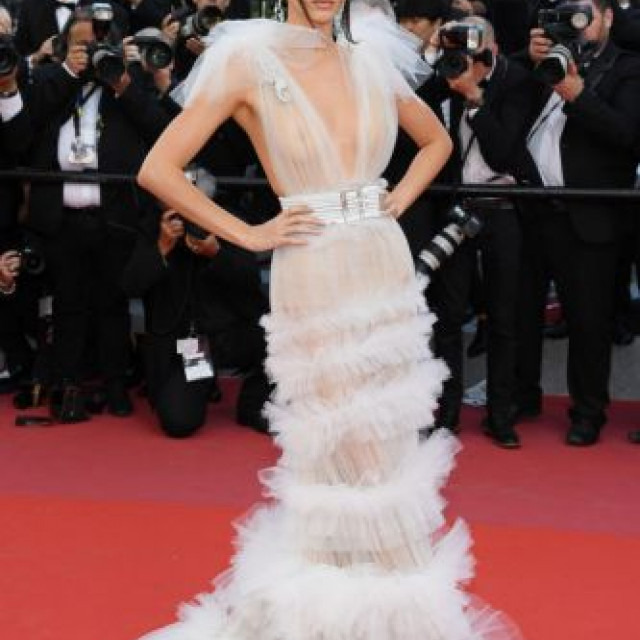 Kendall Jenner shocked in Cannes with transparent attire