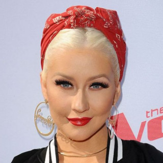 Christina Aguilera secretly sang in New York subway (VIDEO)