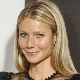 Gwyneth Paltrow in topless for fashion gloss