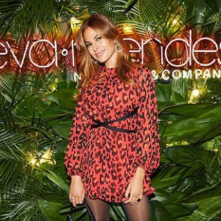 Eva Mendes introduced her new clothing collection