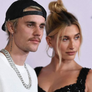 Hailey Bieber explained why in no hurry to give birth