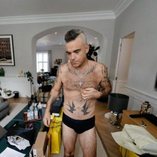 Robbie Williams shared an unusual way to lose weight