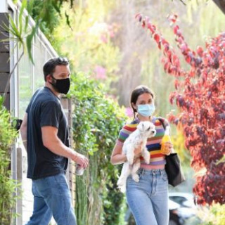 Ana de Armas and Ben Affleck went for a walk with the puppy