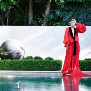 62-year-old Sharon Stone showed the perfect figure in mini and latex