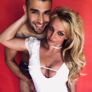 Britney Spears' father forbade her to give birth and get married