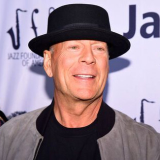 Bruce Willis demands from his daughter to give birth to a grandson