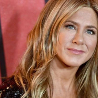 Jennifer Aniston was criticized because of the Christmas toy