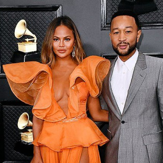 Chrissy Teigen got a new tattoo