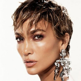 Jennifer Lopez appeared with an ultra-short haircut on the cover of a magazine