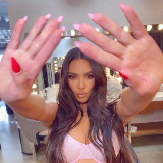 Kim Kardashian revealed the most fashionable manicure of spring