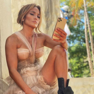 Jennifer Lopez on a movie shoot in the Dominican Republic