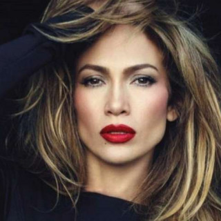 Jennifer Lopez officially broke off her engagement