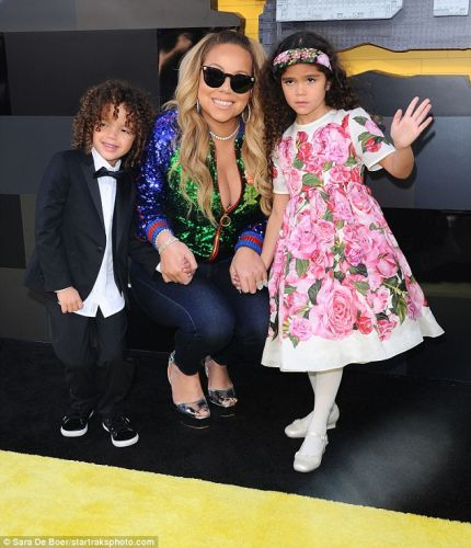 Mariah Carey And Her Twins Watch 'Lego Batman Movie' Debut