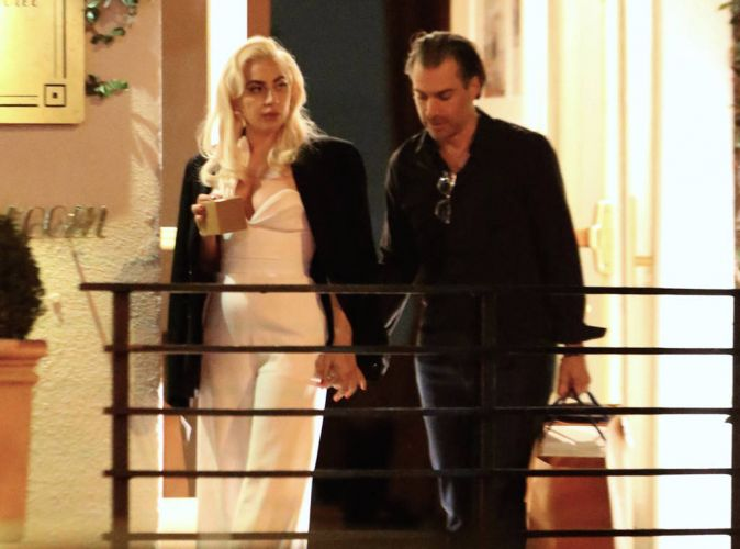 A Hot Kiss Of Lady Gaga And Christian Carino Share During A Date