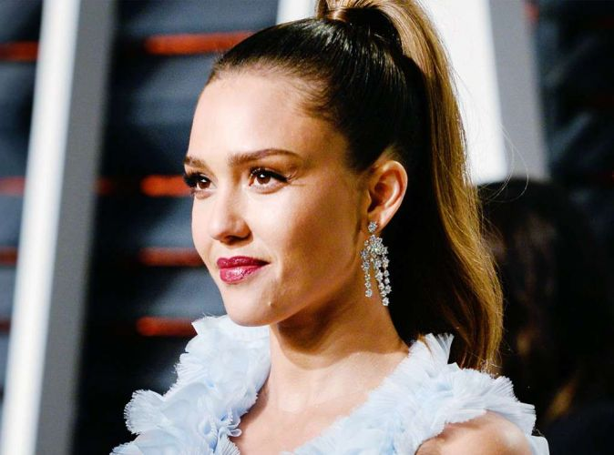 Guess With What Jessica Alba Fixes Creases In The Concealer