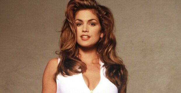 Cindy Crawford showed a rare frame