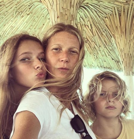 Gwyneth Paltrow presented her 14-year-old son with a mosaic depicting a woman's breasts
